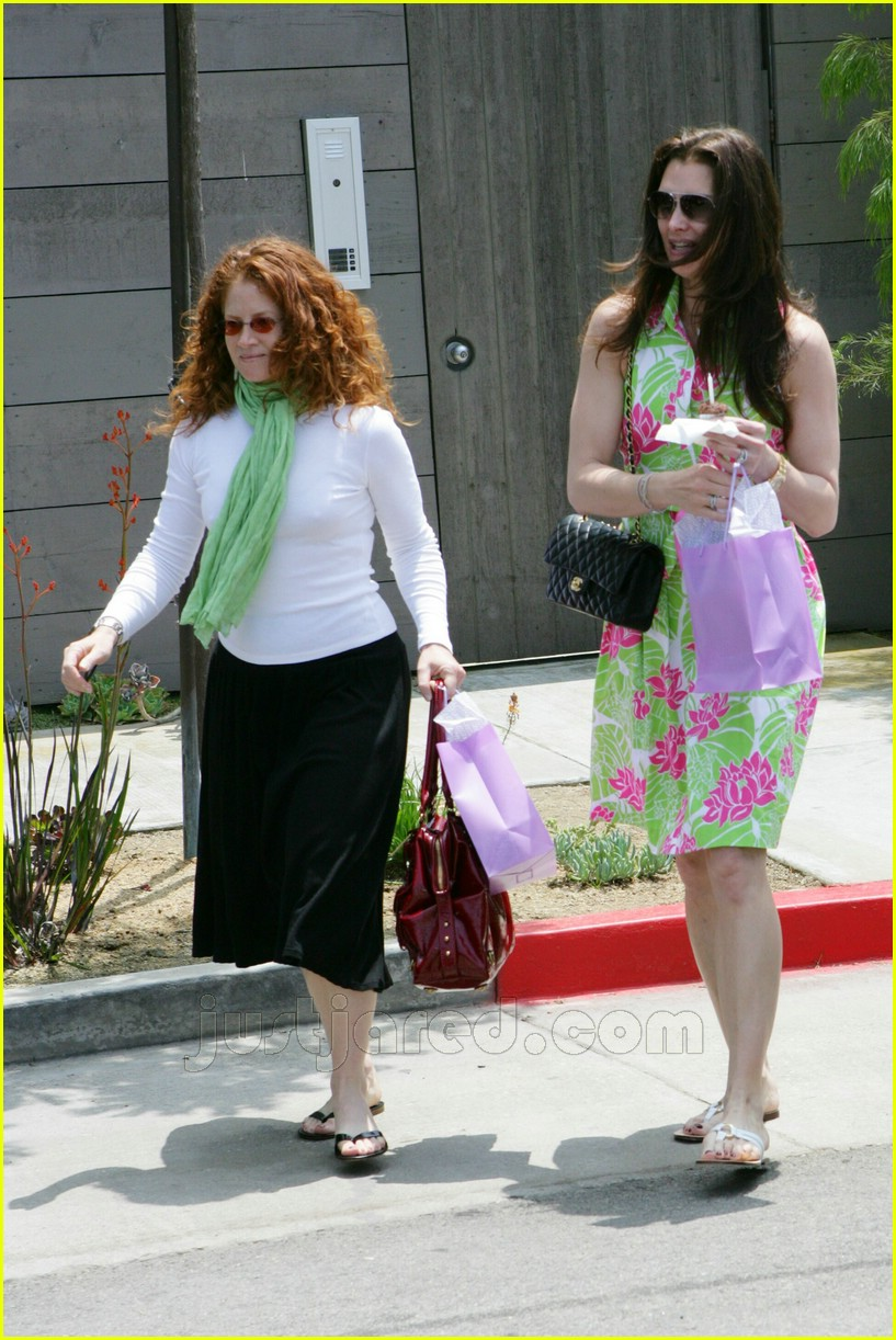 brooke shields bridget moynahan baby shower 04