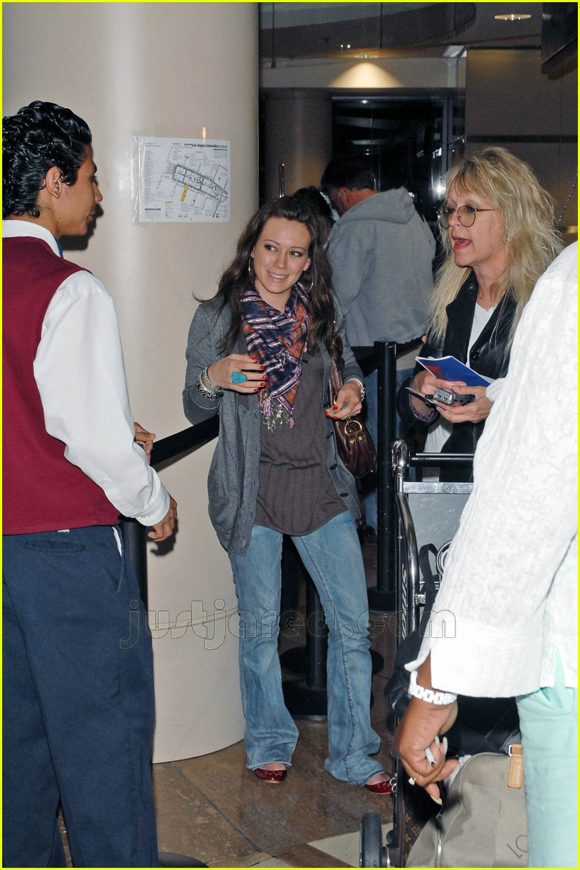 hilary haylie duff airport 07