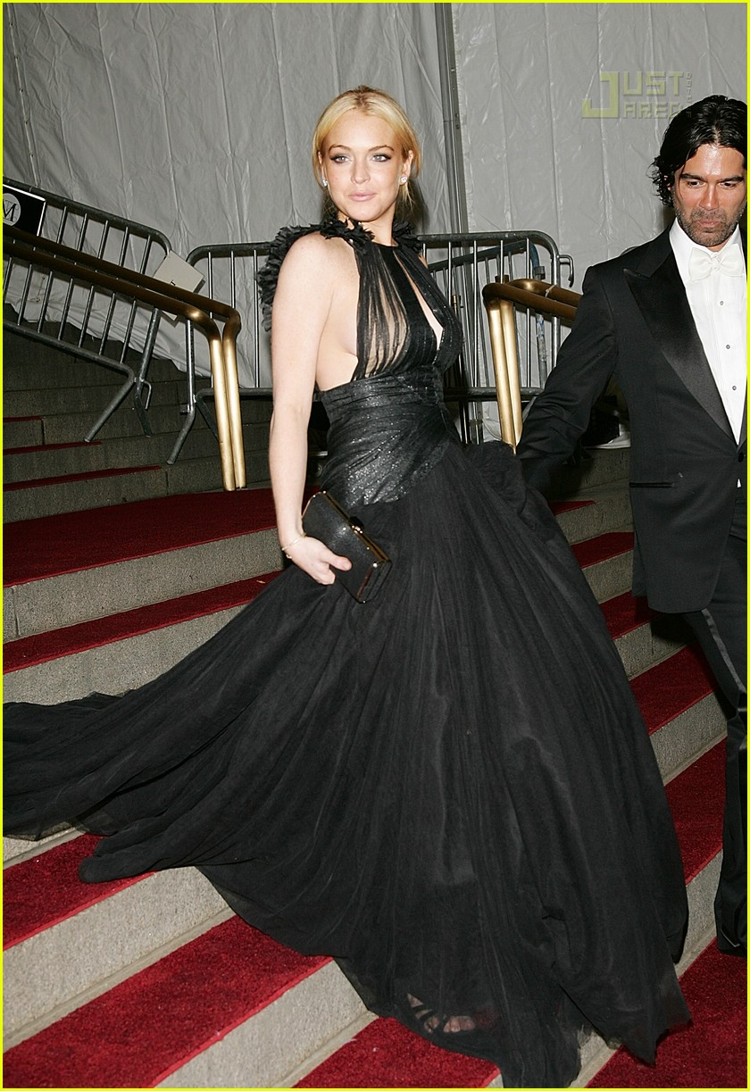 lindsay lohan costume institute 2007 27