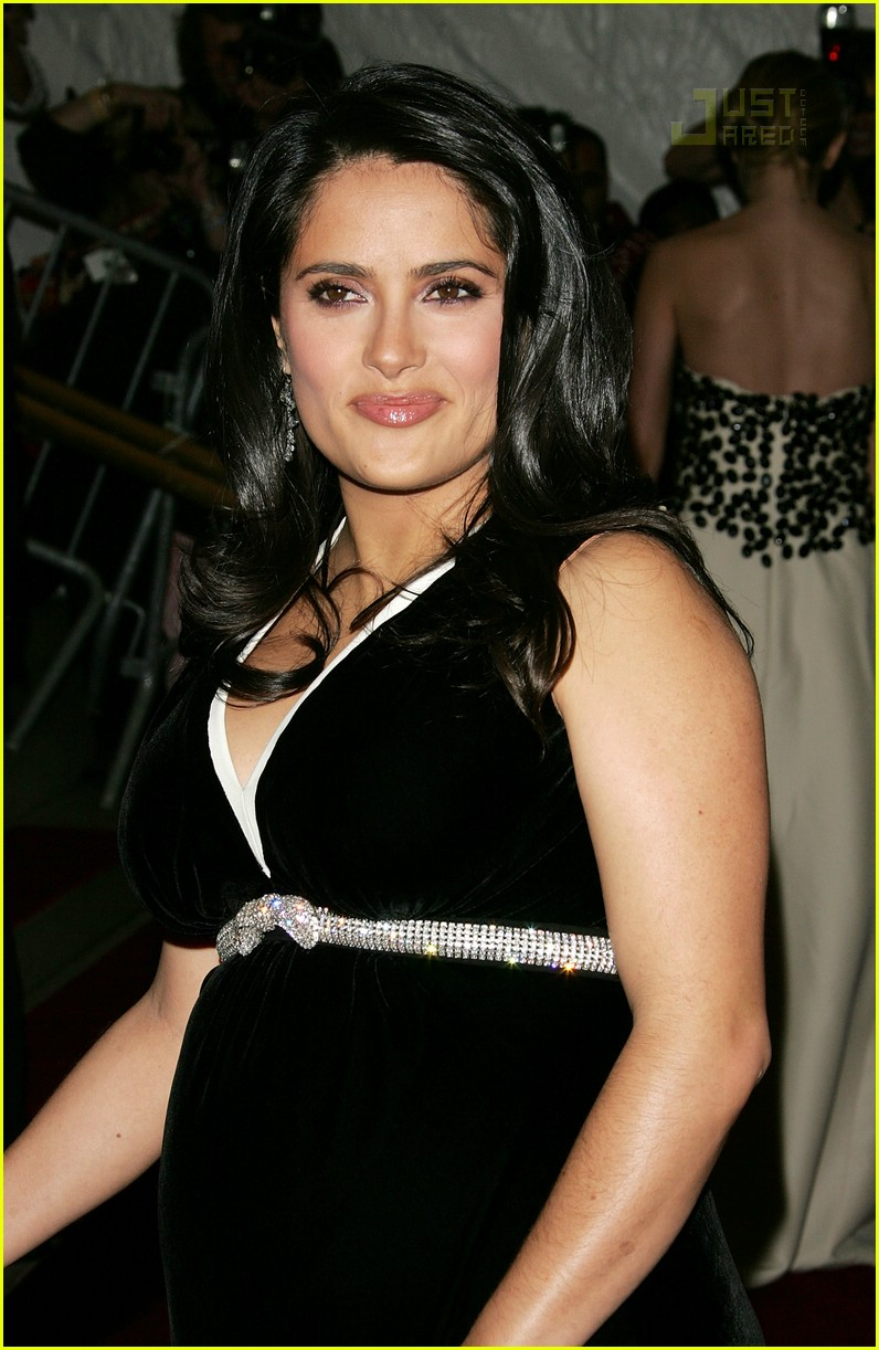 salma hayek costume institute 2007 01