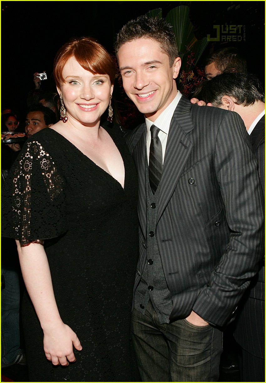 01 bryce dallas howard topher grace