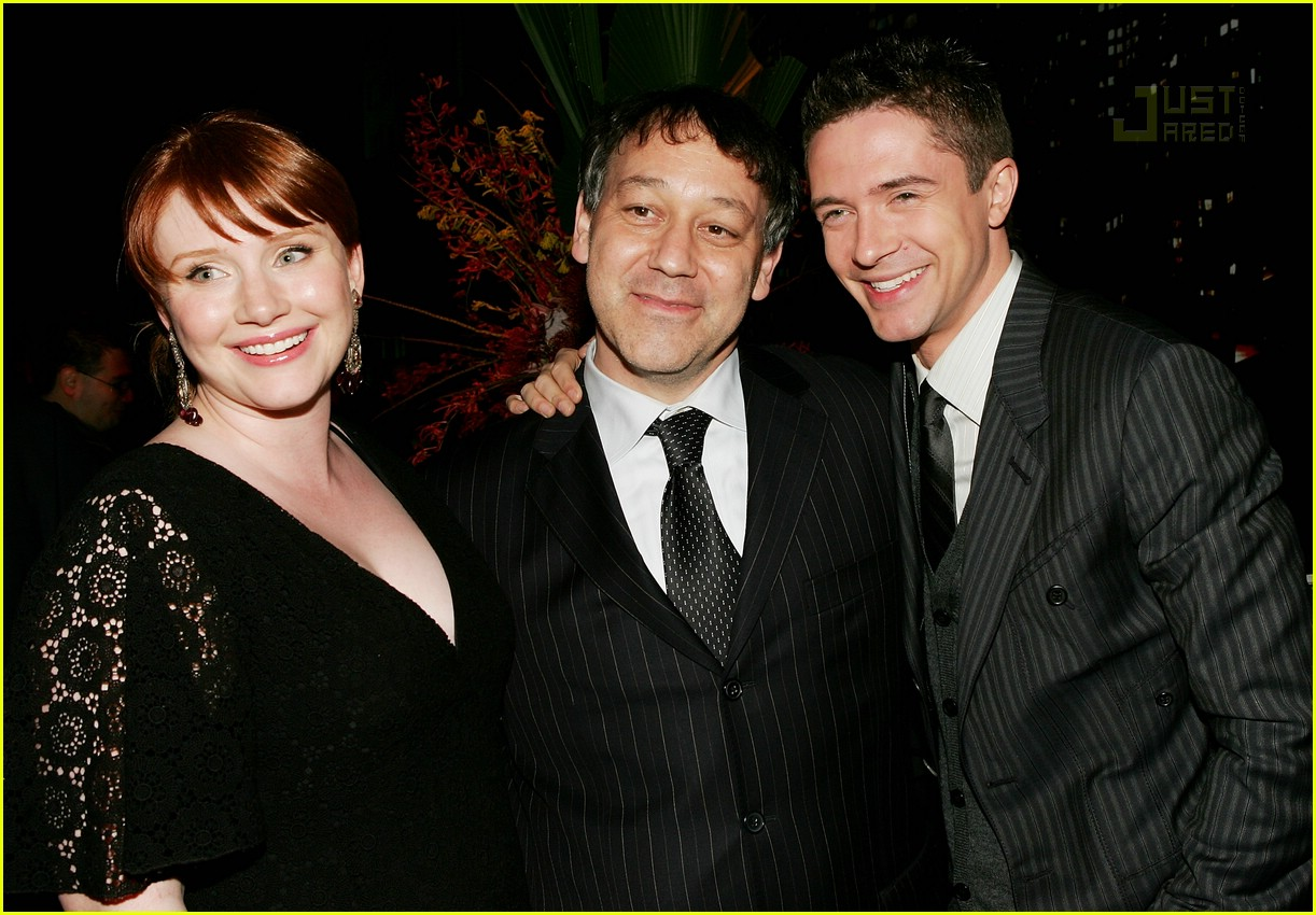 topher grace bryce dallas howard 02