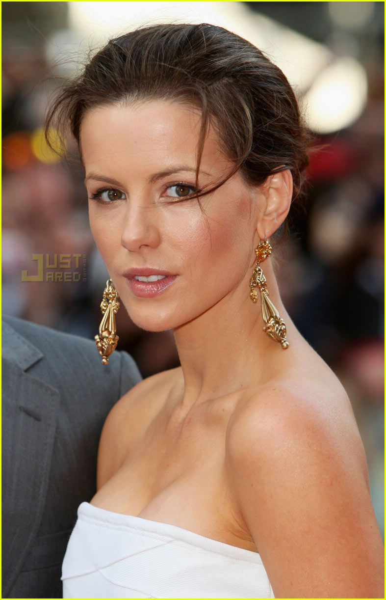 kate beckinsale stuck in teeth 14