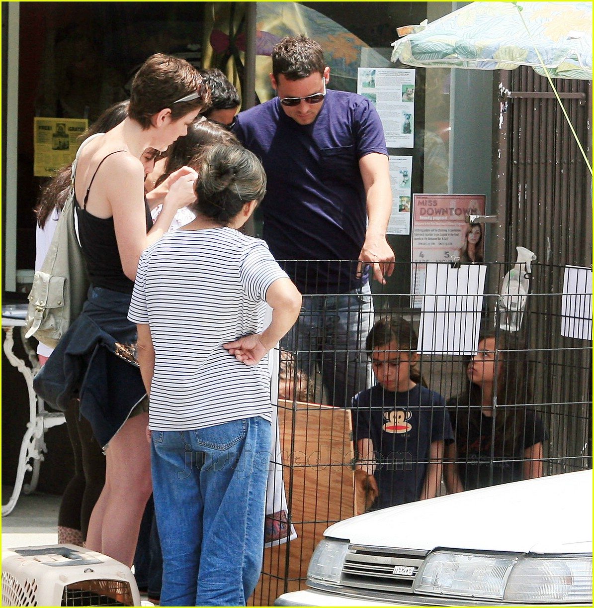justin chambers buys dog 06