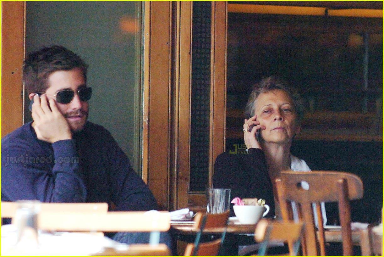 Full Sized Photo of ja... Jake Gyllenhaal