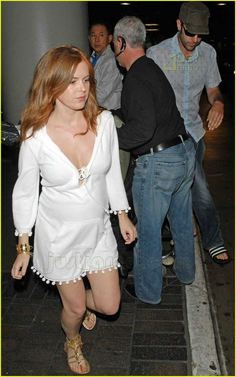 isla fisher pregnant 09