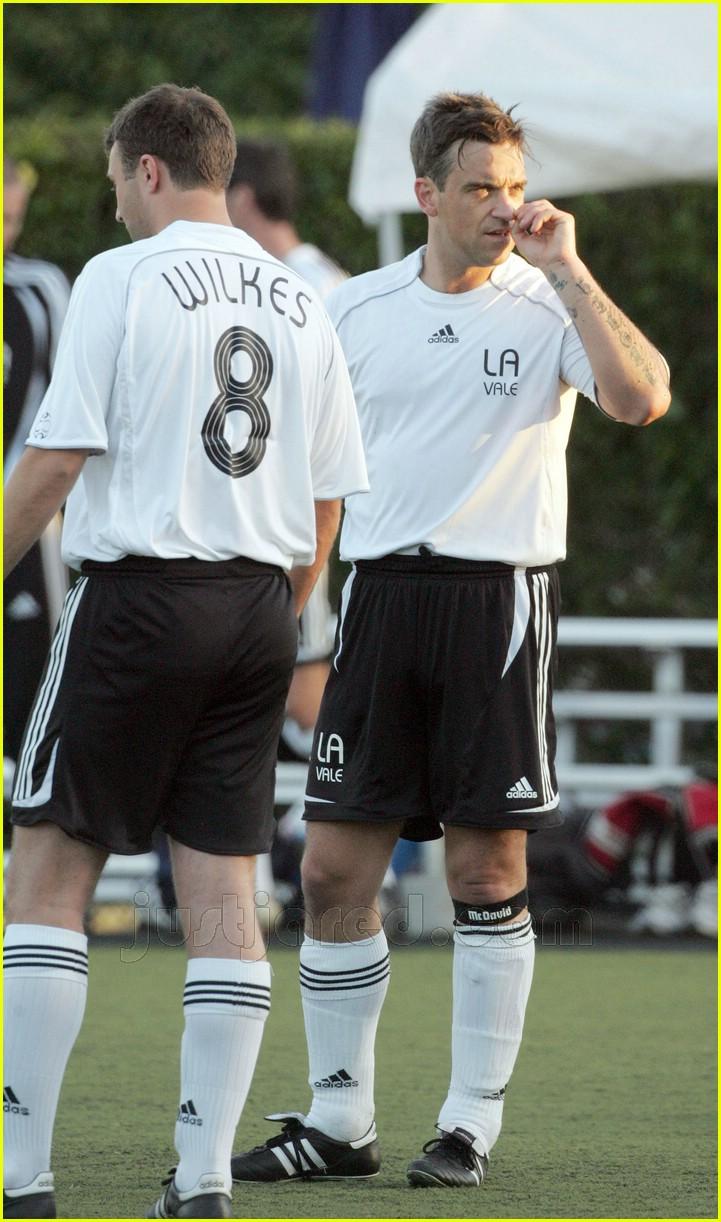 robbie williams sweaty soccer 05427781