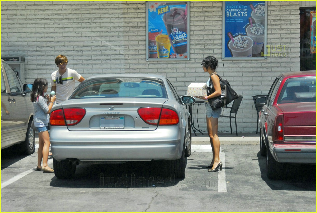 Full Sized Photo of zanessa out and about 05 | Photo 455681 | Just ...