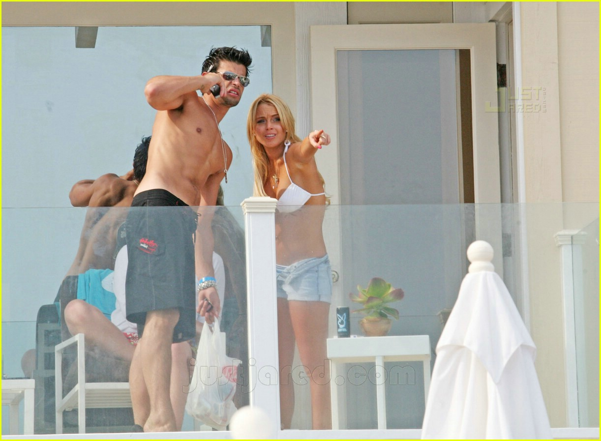 lindsay lohan fourth of july hunk 10