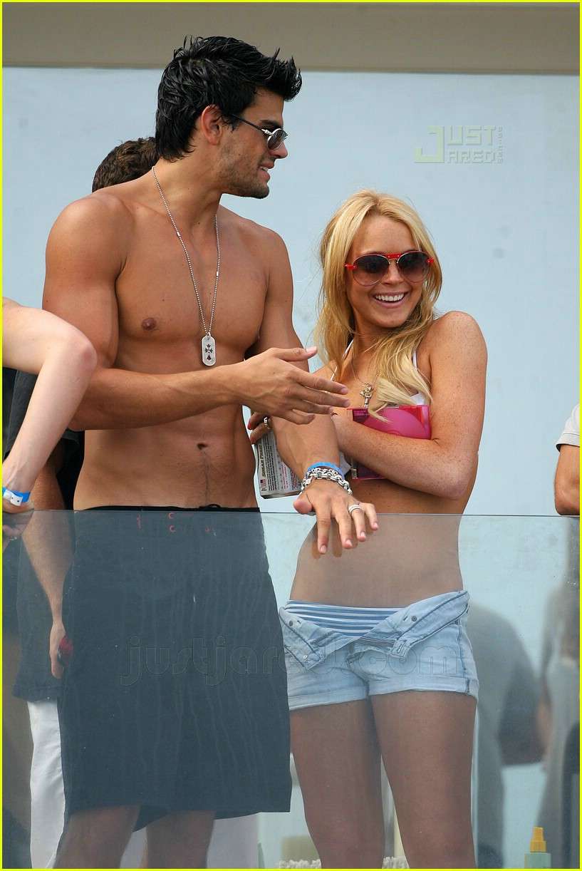 lindsay lohan fourth of july hunk 13