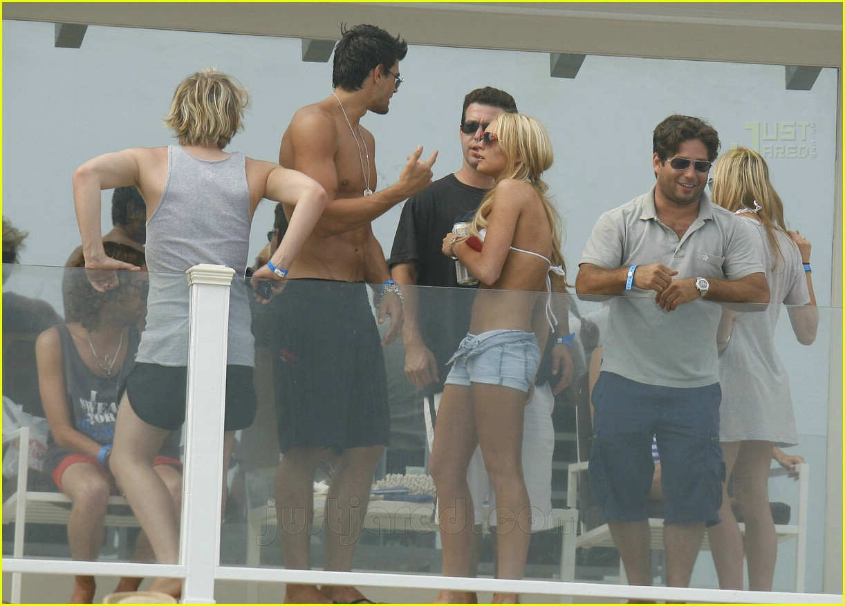 lindsay lohan fourth of july hunk 18