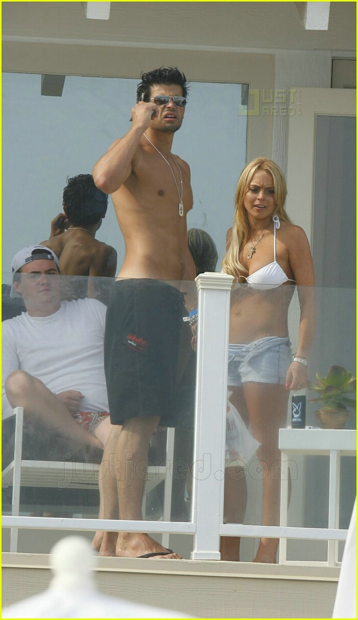 lindsay lohan fourth of july hunk 19