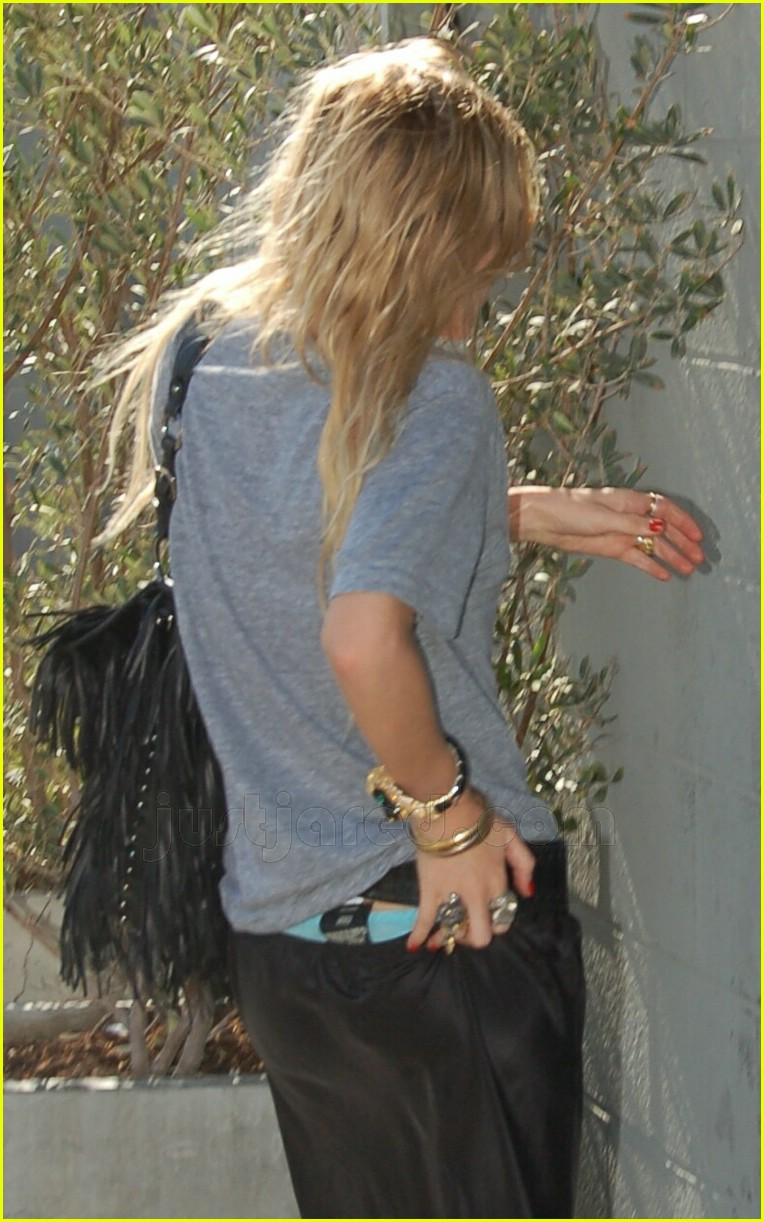 mary kate olsen thong slip 18