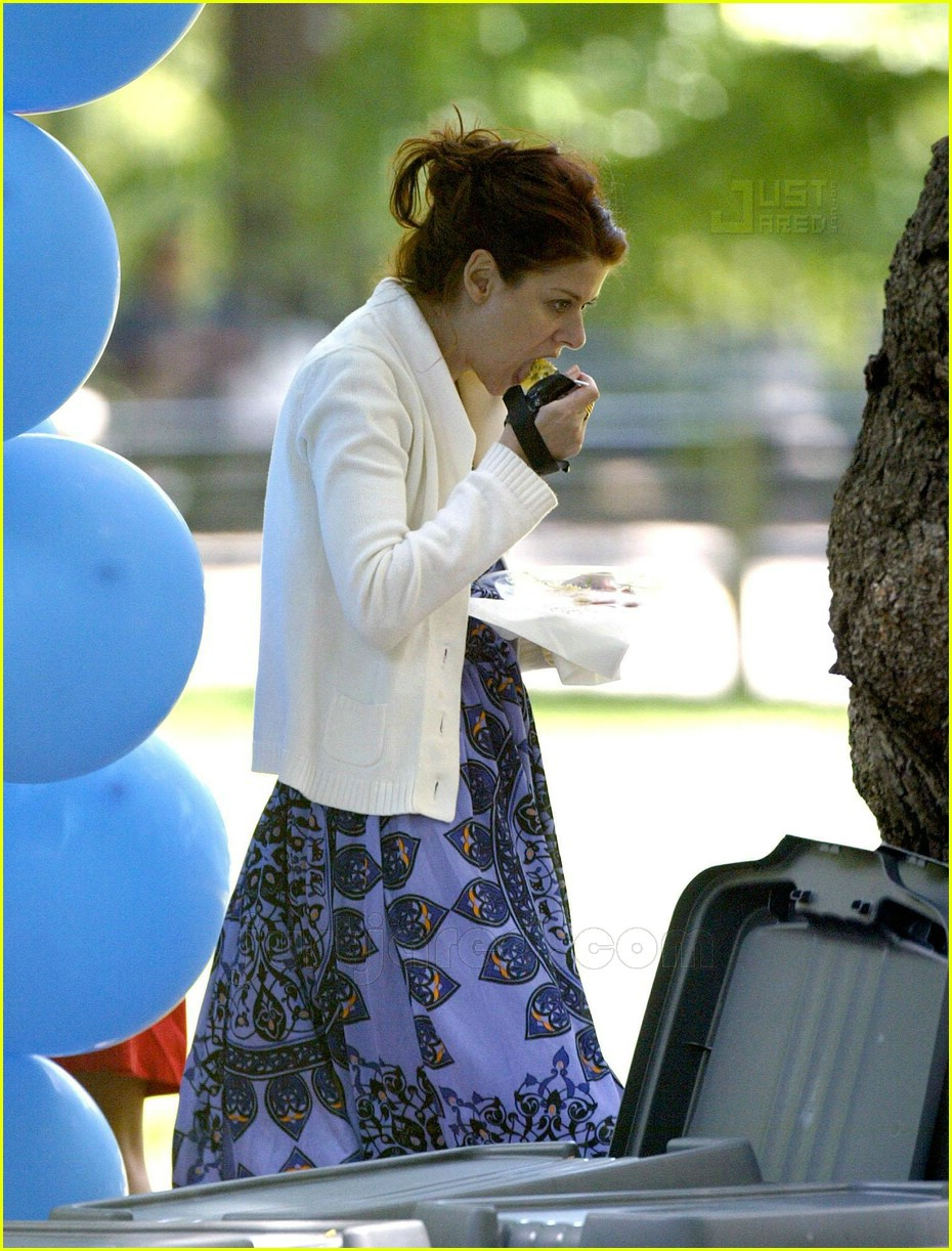 debra messing spitting out food 04