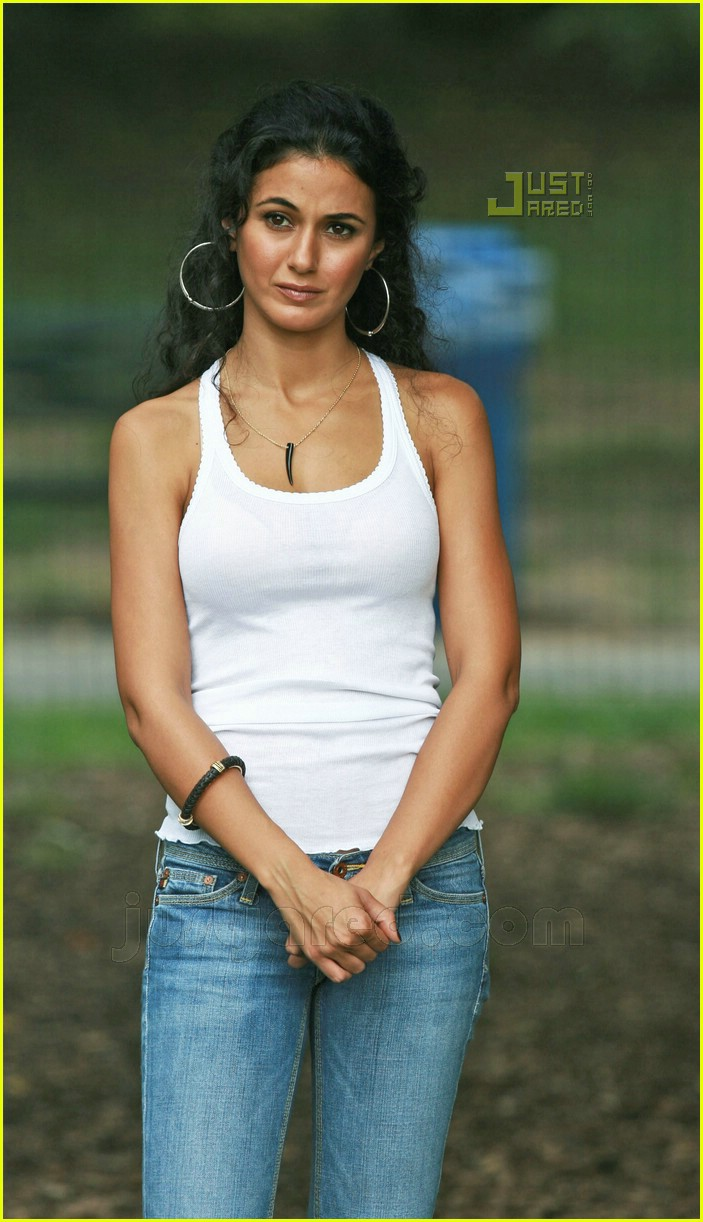 emmanuelle chriqui adam sandler 04