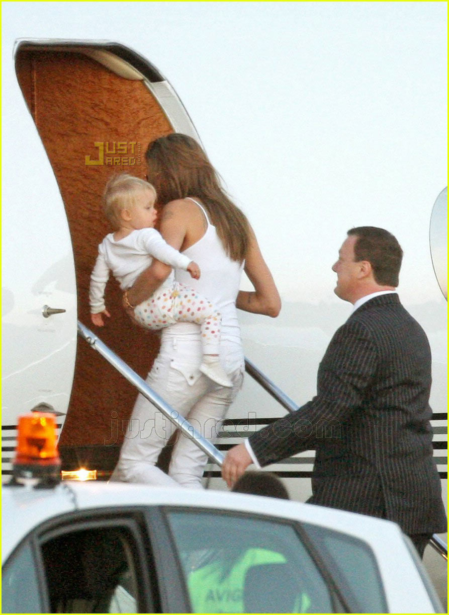 brad angelina vineyard 13519061