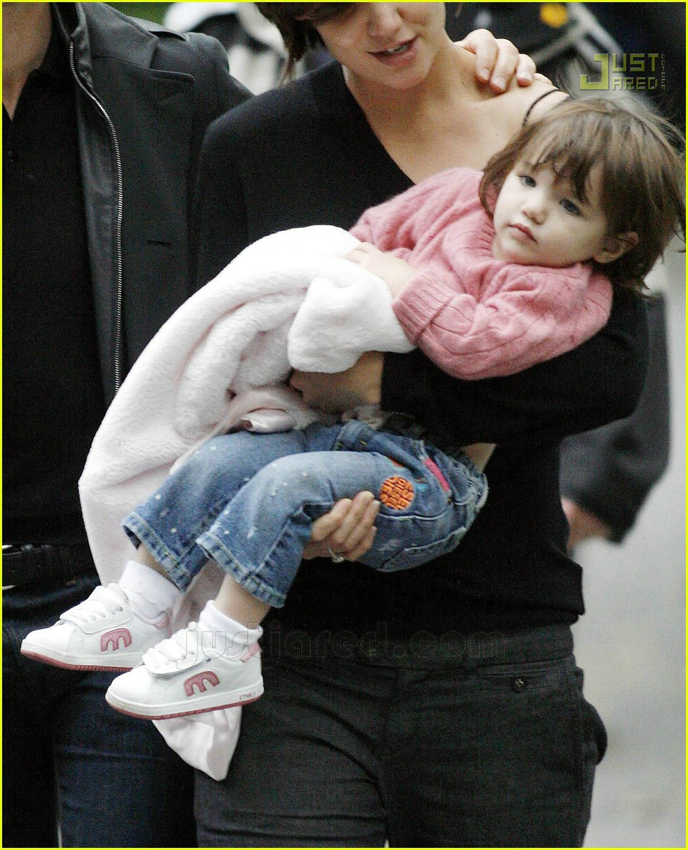 photo Suri Cruise gets her own zoo for the day