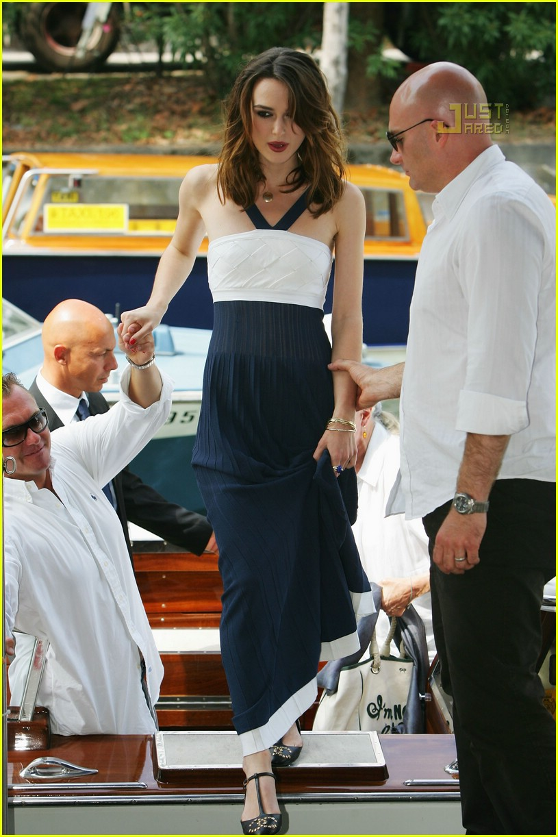 keira kicks off venice film festival  photo 549661