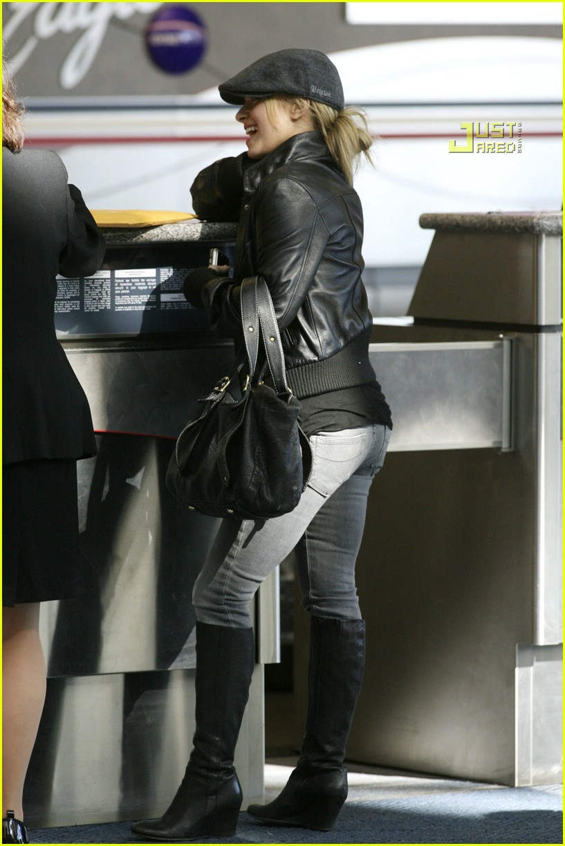 hayden panettiere frequent flyer 04
