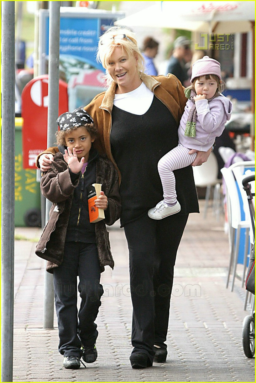 Full Sized Photo of hugh jackman kids 22 | Photo 574311 ... Sandra Bullock Son