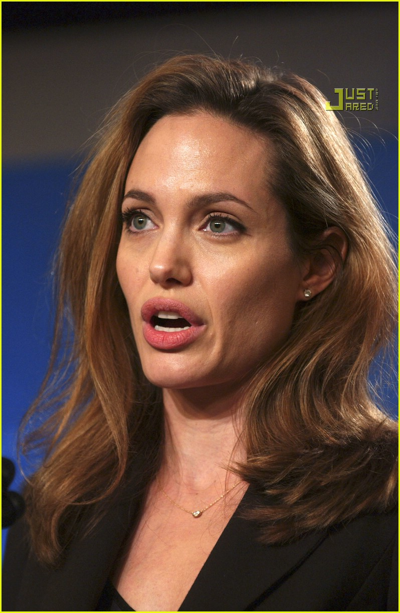 Full Sized Photo of angelina jolie crying 17 | Photo ... Angelina Jolie 2017