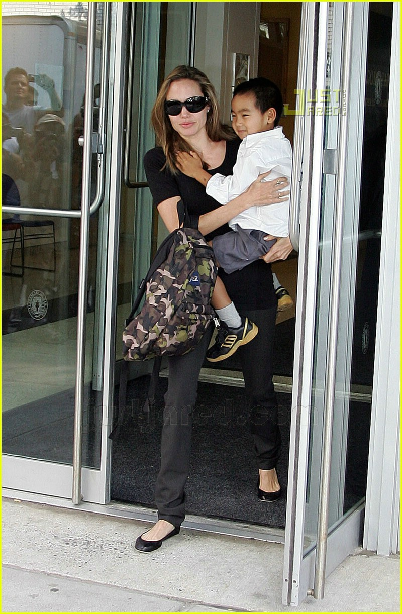 angelina jolie carrying maddox 05
