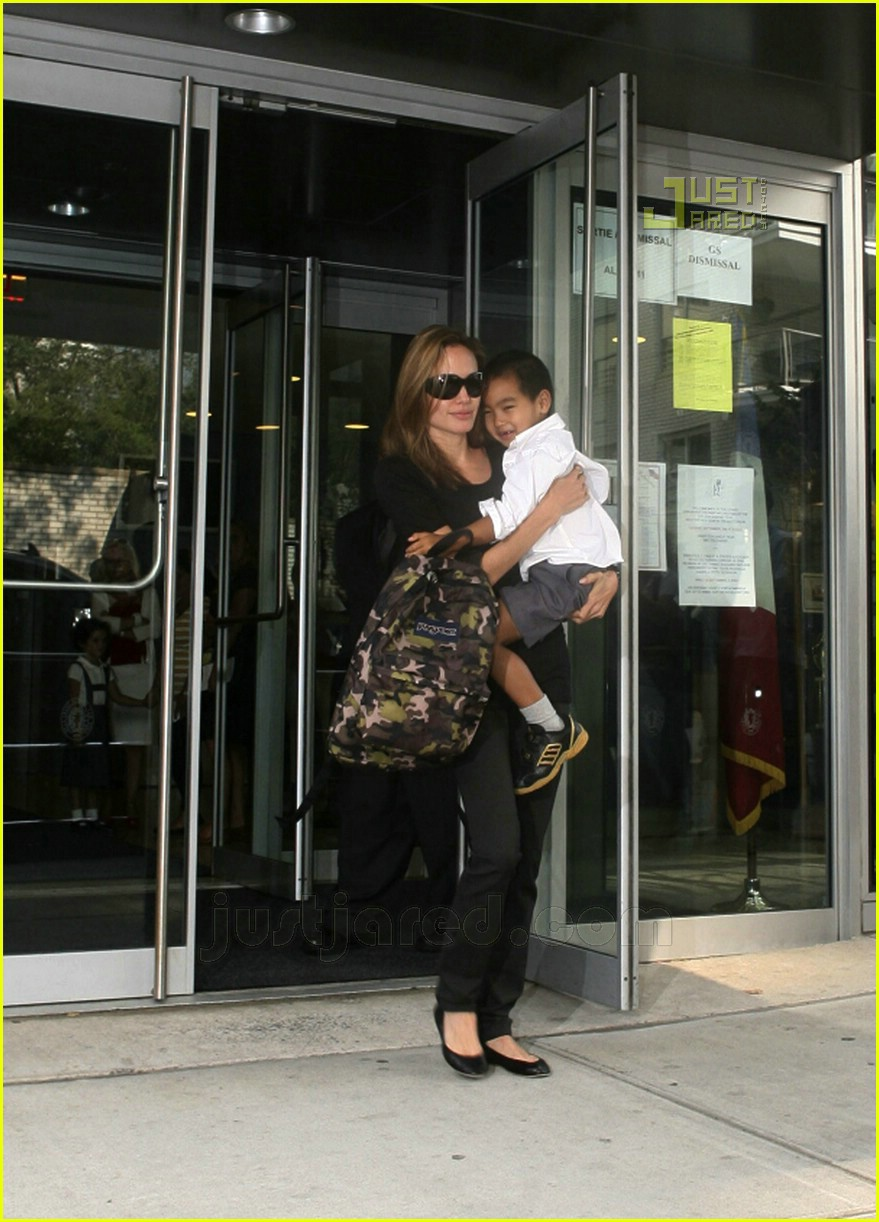 angelina jolie carrying maddox 07