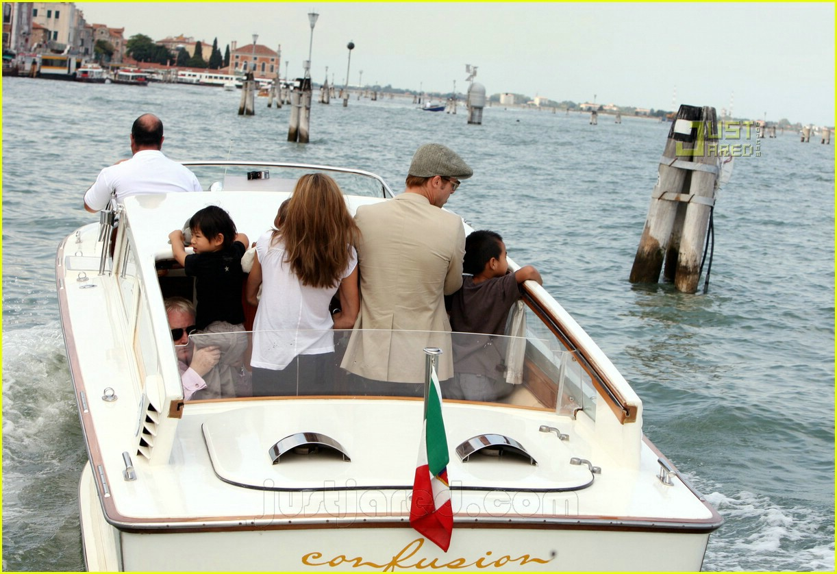 brad angelina water taxi ride 21