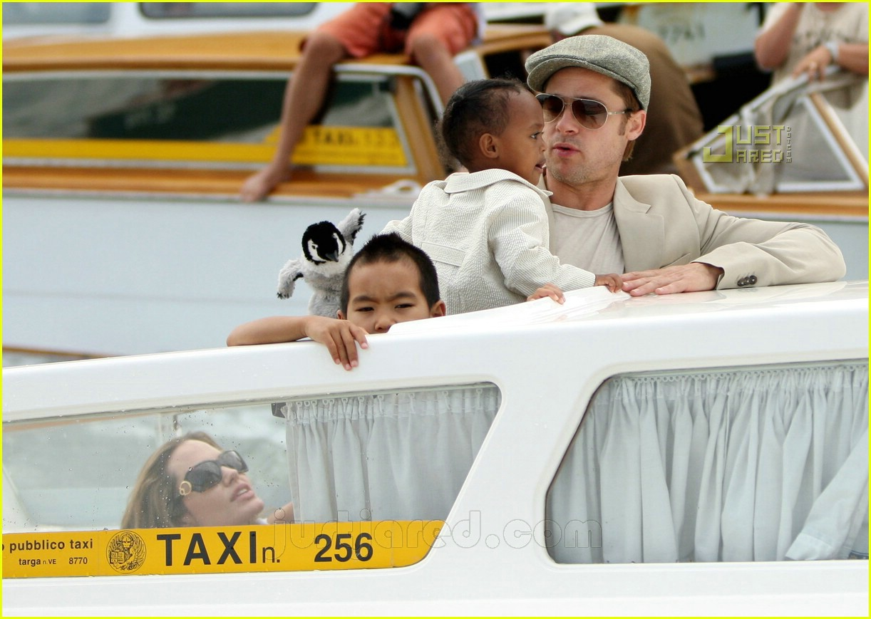 brad angelina water taxi ride 26