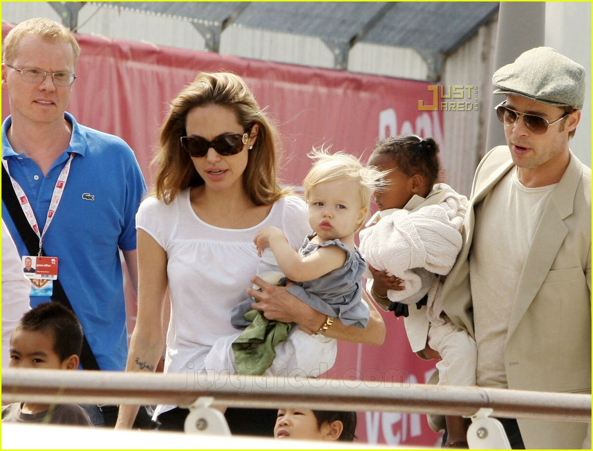 brad angelina water taxi ride 28