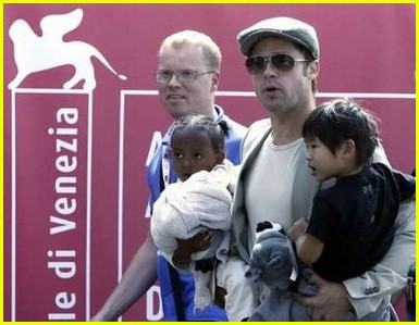 brad angelina water taxi ride 32