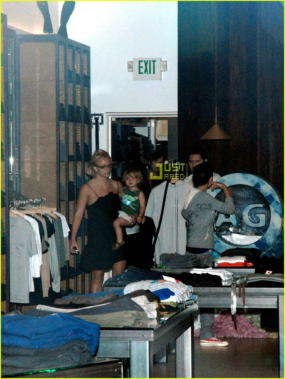 britney spears sean preston shopping 06