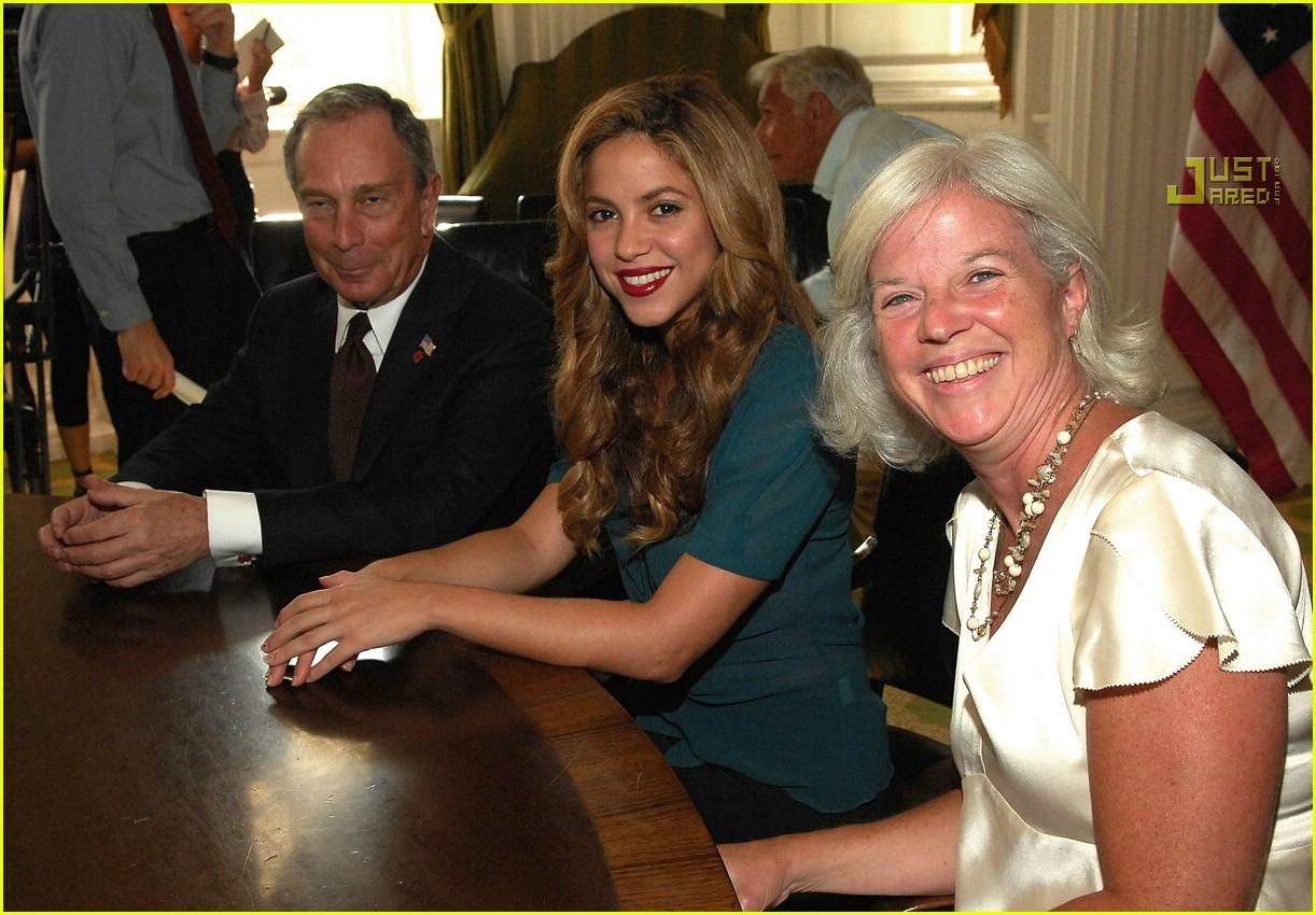 shakira mayor bloomberg 09