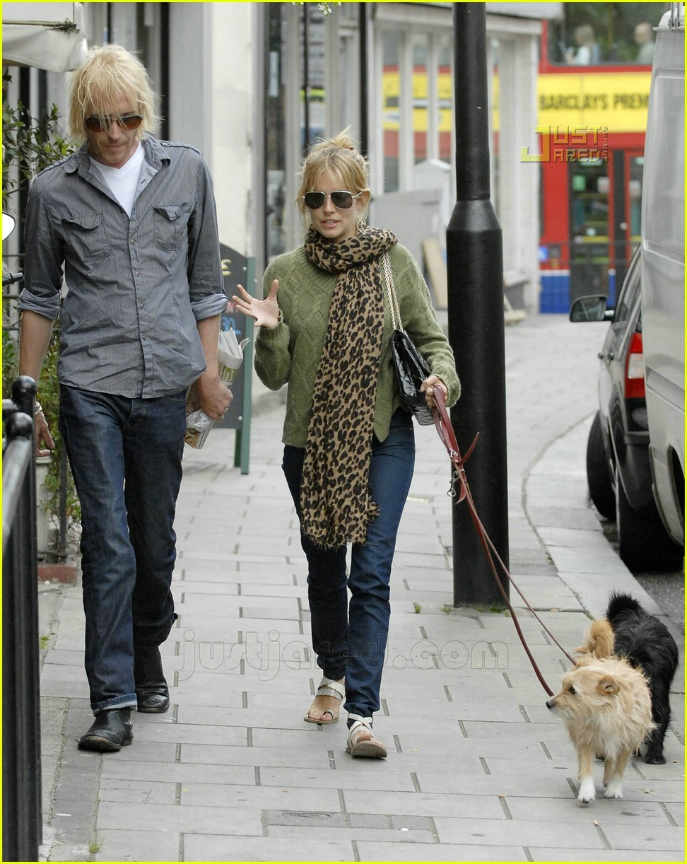 Full Sized Photo Of Sienna Miller Rhys Ifans 09 Photo