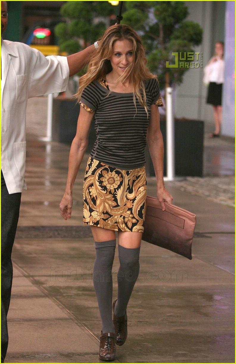 sarah jessica parker knee high socks 01