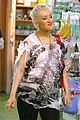 christina aguilera baby store shopping 07