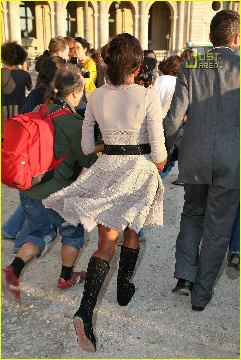Naomi Campbell and Alicia Keys Face Off In Azzedine Alaia ...  Naomi Campbell Alaia Dress