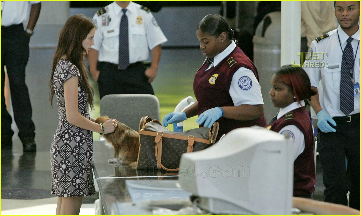 Mischa Barton Gets Detained By Airport Security Mischa Barton