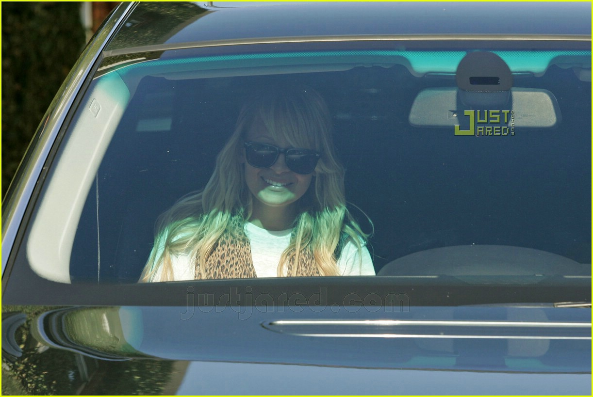 nicole richie smiley 09
