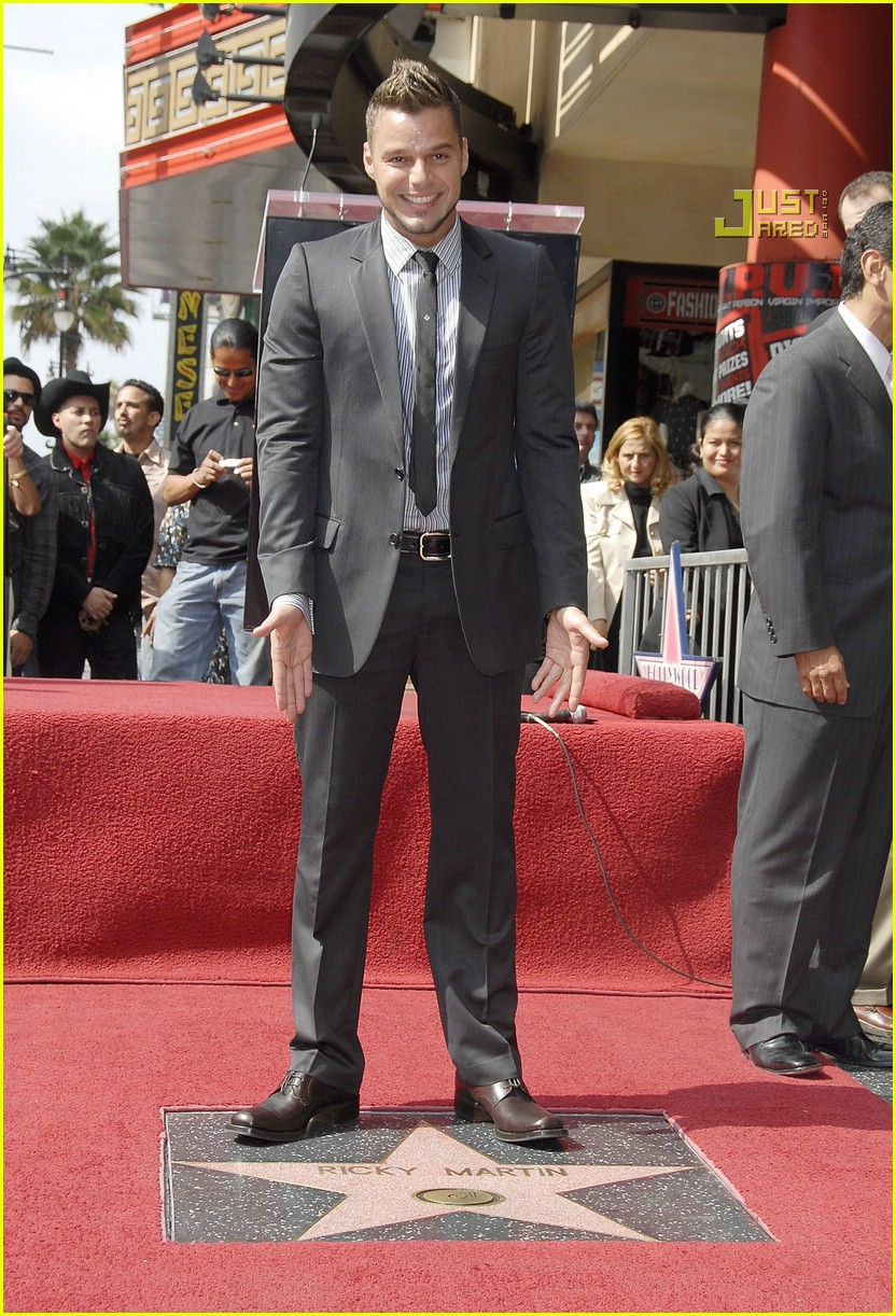 Full Sized Photo of ri... Daniel Radcliffe