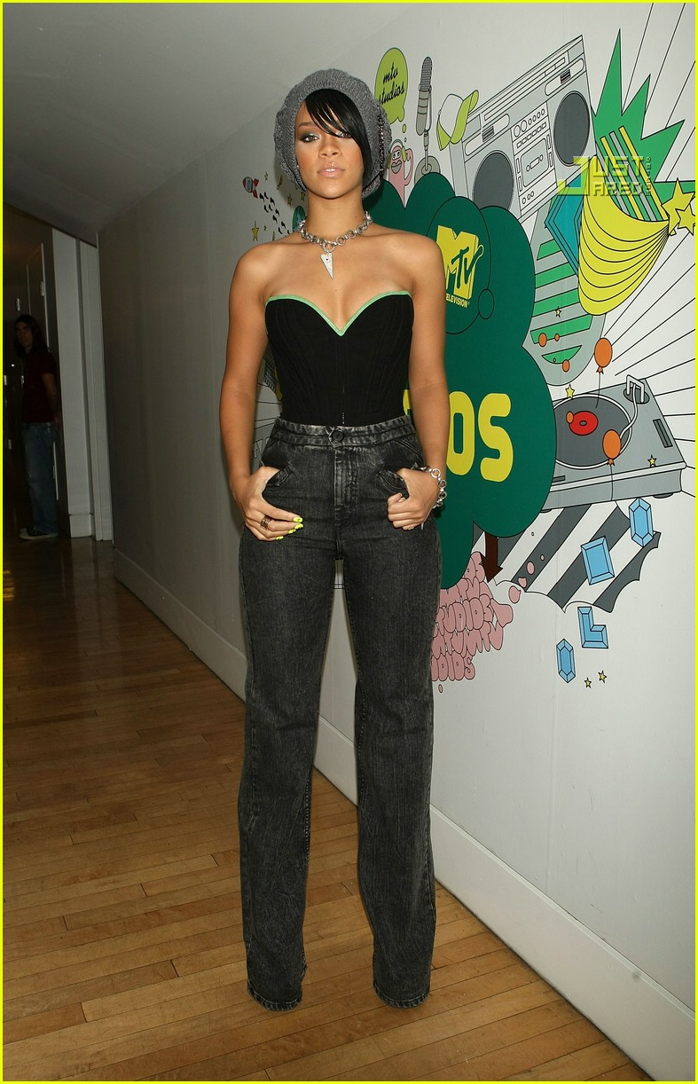 Rihanna @ TRL: Photo 653871 | Josh Hartnett, Rihanna, TRL ...