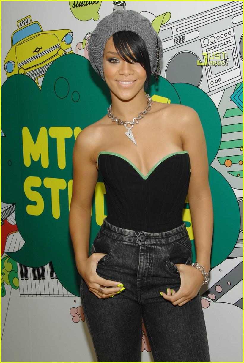 Rihanna @ TRL: Photo 653951 | Josh Hartnett, Rihanna, TRL ...