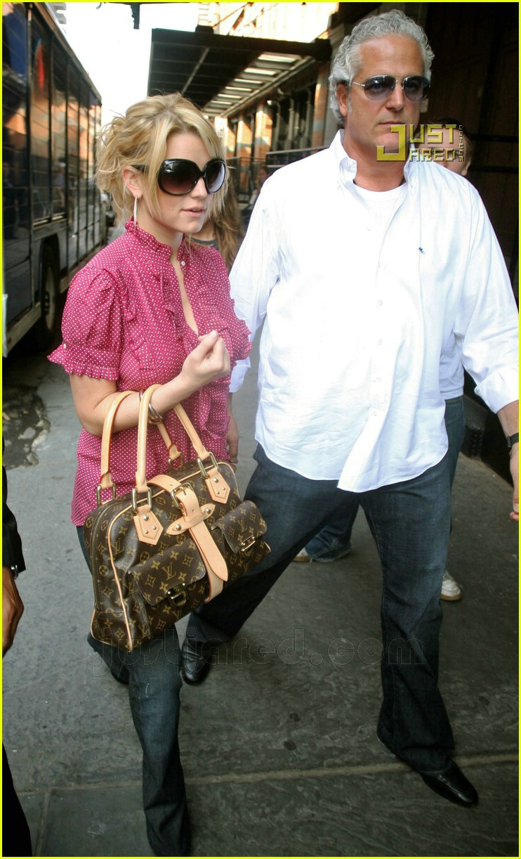 jessica simpson apartment hunting 05