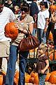 mark wahlberg pumpkin picking 05