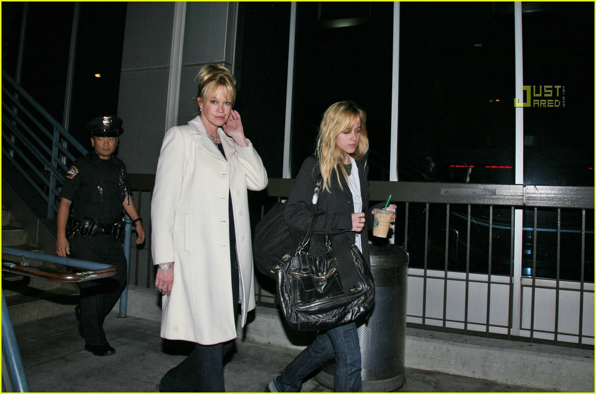 melanie griffith daughters 04761351