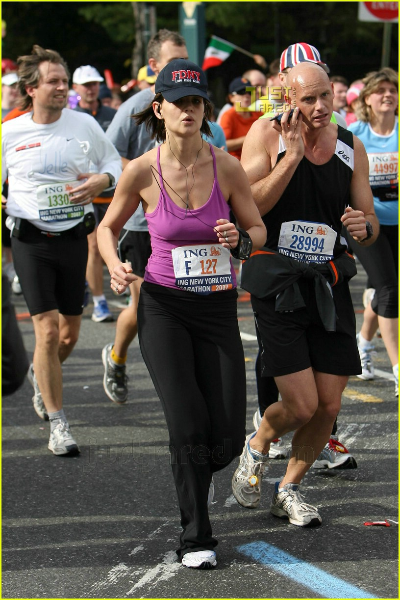 katie holmes running nyc marathon
