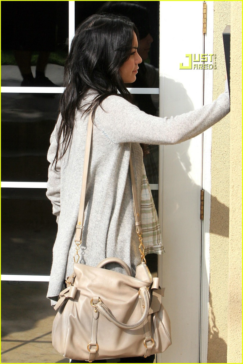 vanessa hudgens teddy bear 14