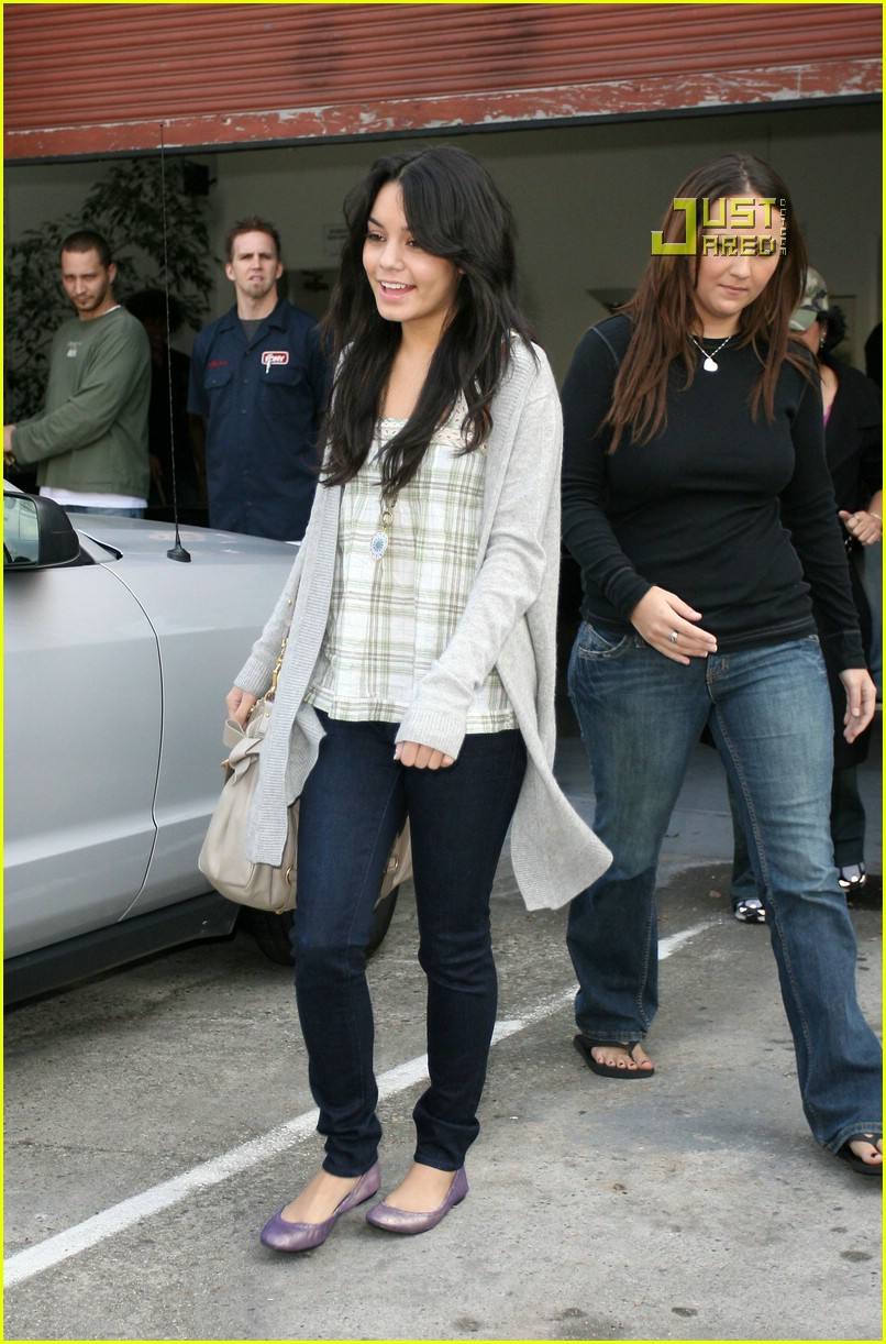 vanessa hudgens teddy bear 19