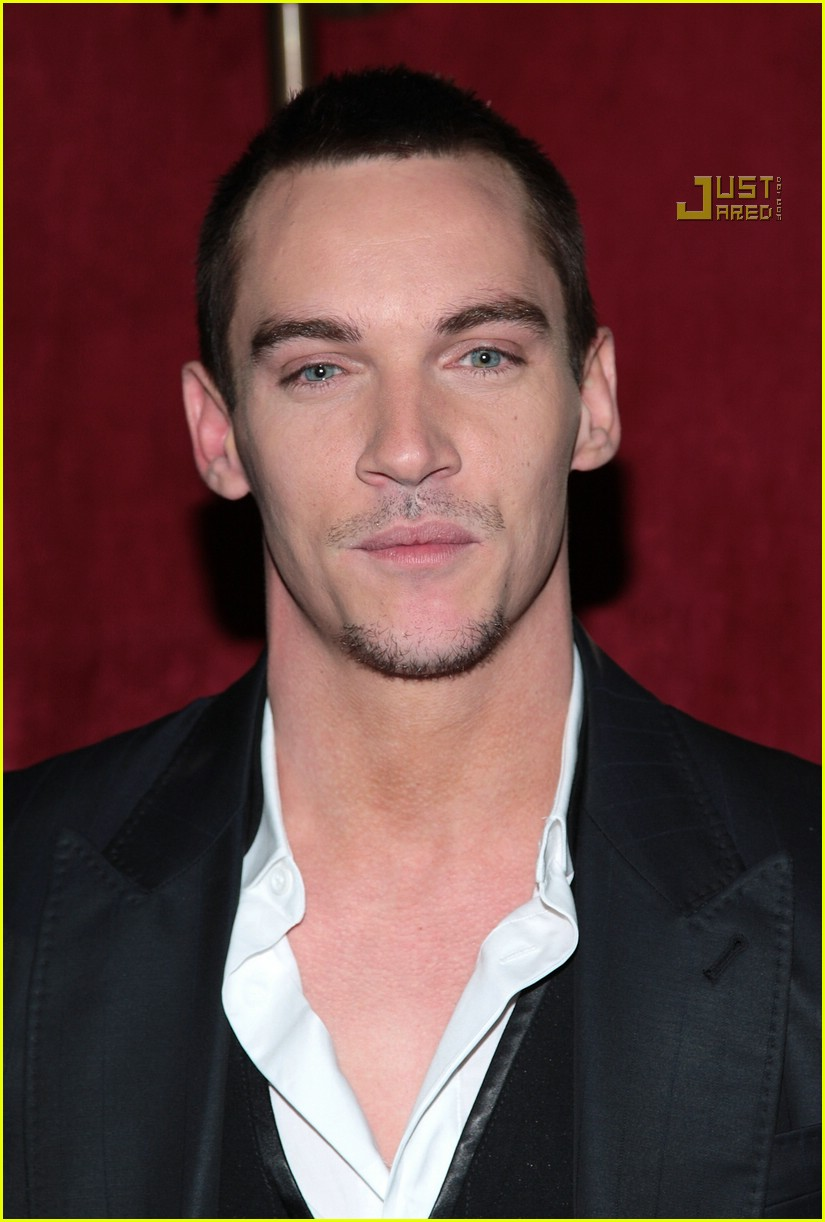 jonathan rhys meyers august rush premiere 02