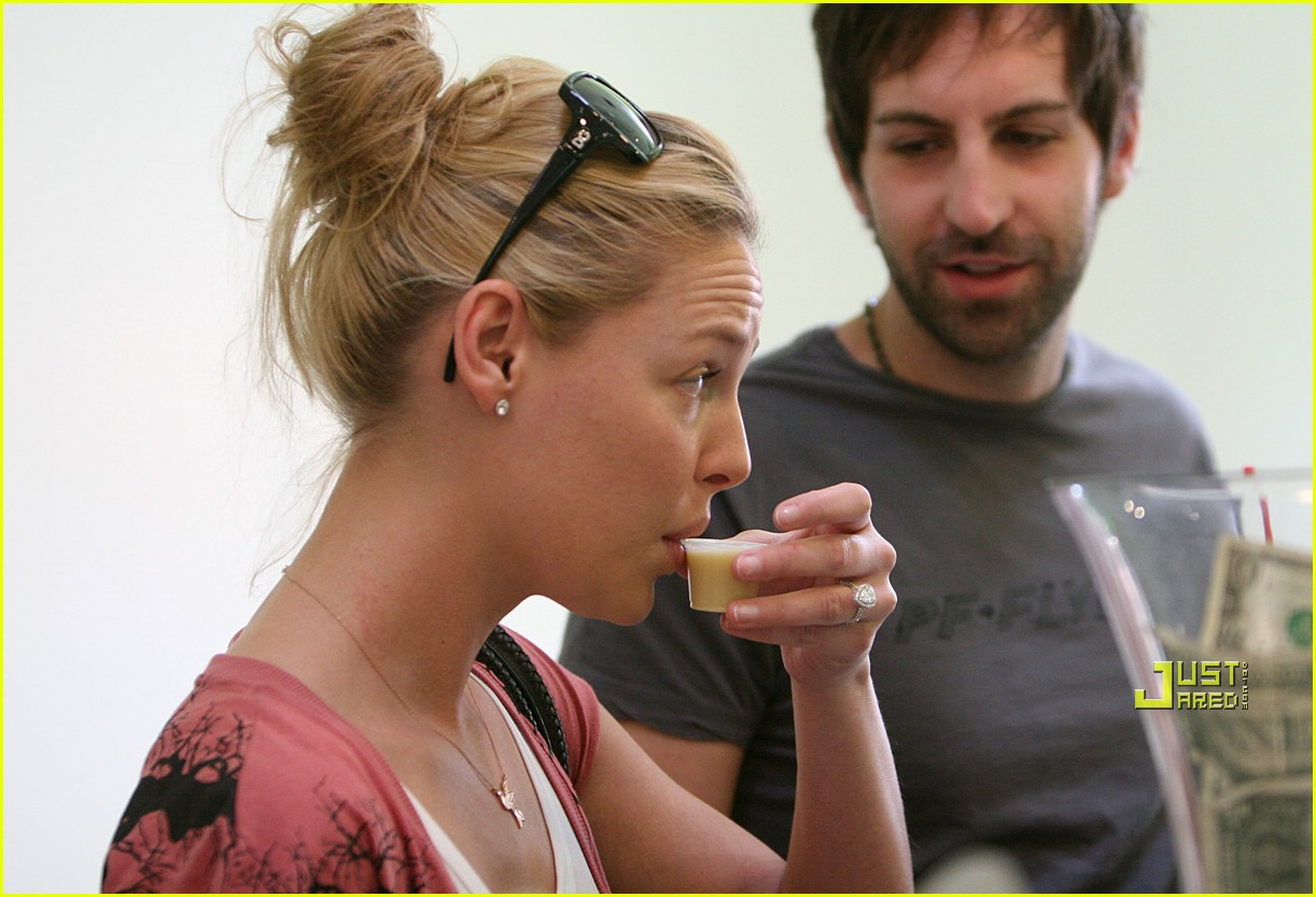 katherine heigl grass 17
